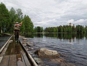 Valkoisella Pupulla kalastelua Pajakalla